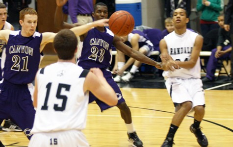 Holman's 28 points not enough to hold off Canyon