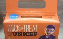 Key Club collects donations for UNICEF