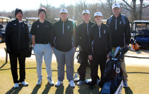 The varsity team at the Trinity Forest in Dallas, Texas in late January.