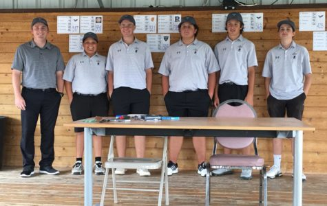 The team gathers after the Raider Triangular at Palo Duro Creek Golf Course in Canyon