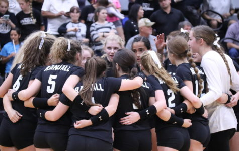 The varsity volleyball team works to defend their No. 1 state ranking.