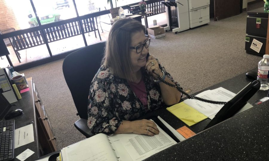 Meet Susie Alumbaugh: The School Secretary Who Has Mastered the Art of Multitasking