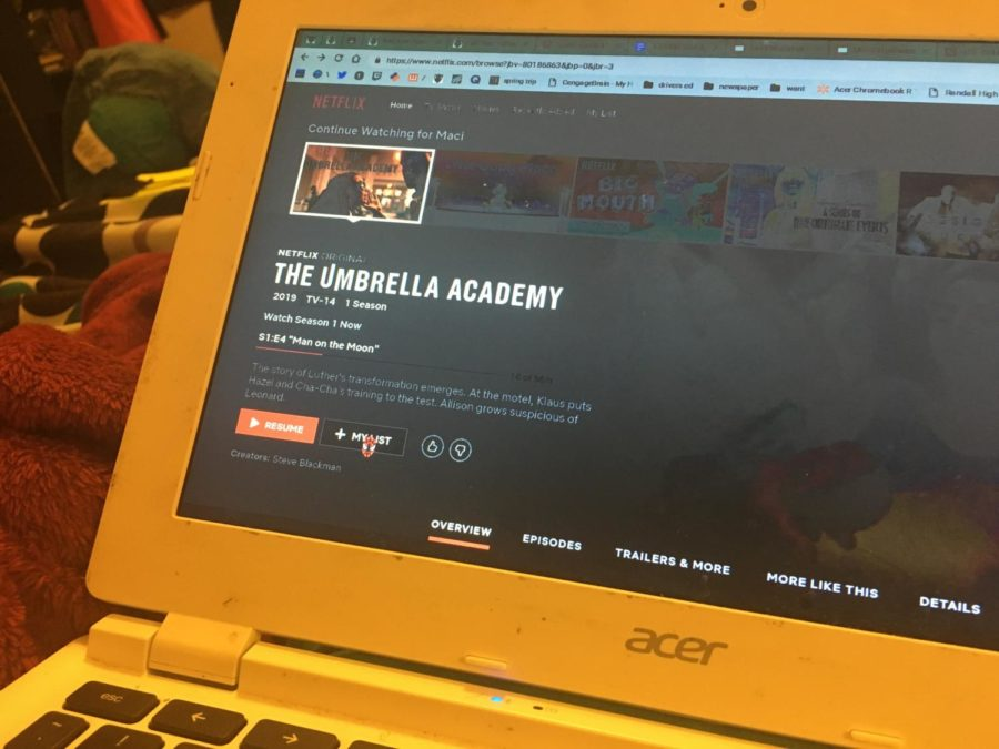 A+Closer+Look+Into+the+Comic+Book+Universe%3A+The+Umbrella+Academy