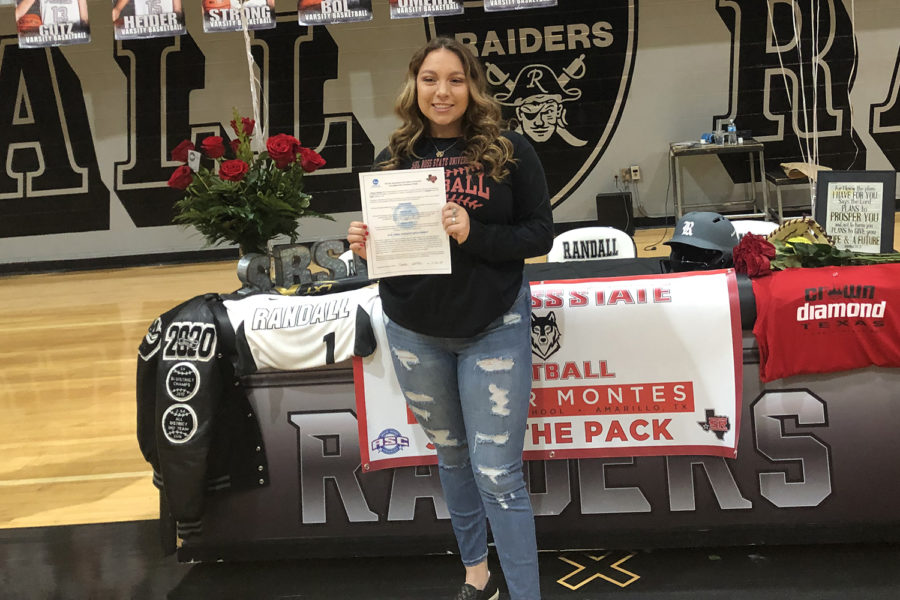 Senior Hunter Montes signs her letter of intent to play softball for Sul Ross State University.