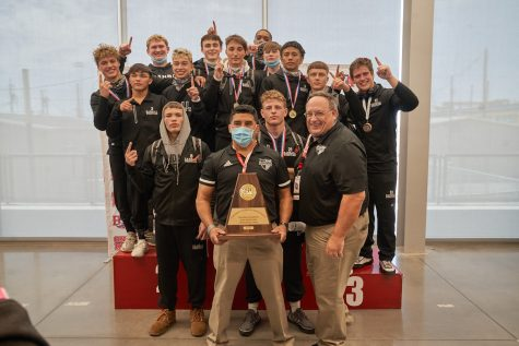 Wrestling Team Looks for First 3-Peat State Title in 5A History
